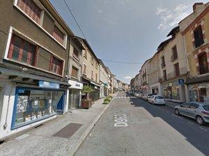 La bagarre se termine dans la façade du Guidon decazevillois