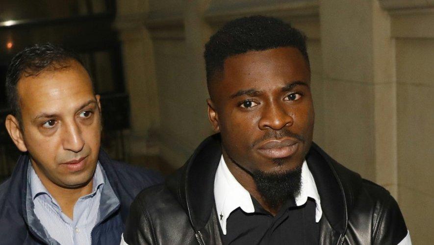 Le défenseur du PSG Serge Aurier lors de son arrivée au tribunal, le 26 septembre 2016 à Paris