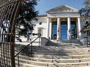 Braquage, coups de couteaux et stups devant le tribunal de l'Aveyron