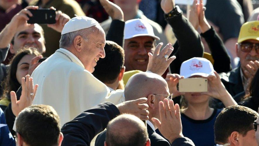 Le Pape François à la rencontre des Géorgiens à Tbilisi,le 1er octobre 2016