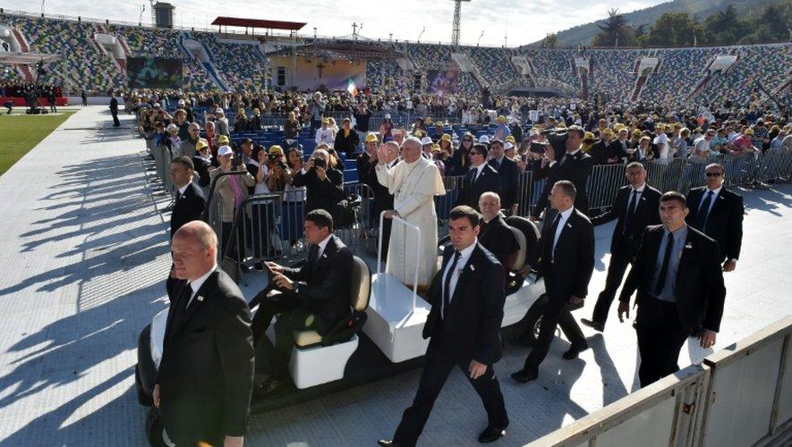 Le pape François lors d'une messe en plein air à Tbilisi en Géorgie, le 1er octobre 2016