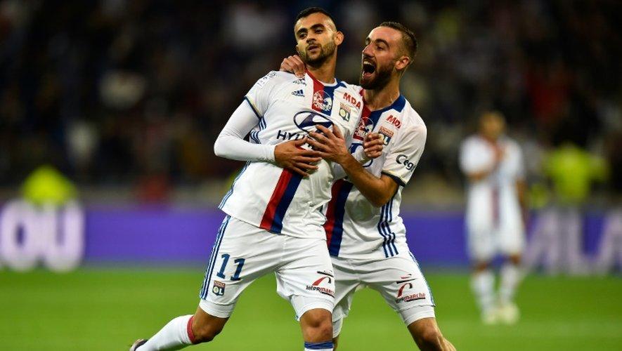 Sergi Darder et Rachid Ghezzal (N.11) tous deux buteurs pour Lyon contre Saint-Etienne au Parc OL, le 2 octobre 2016