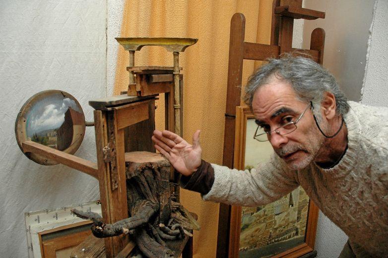 Une composition de Shimon Palombo témoignant du déracinement de l'artiste.