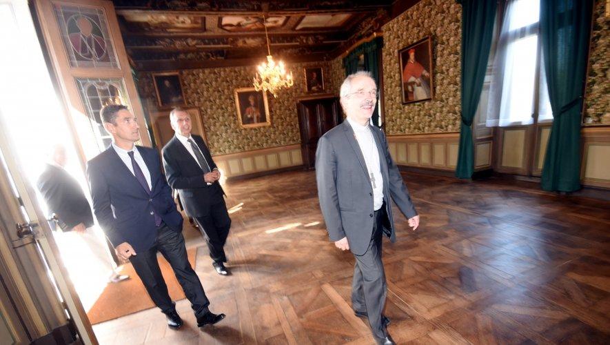 La cérémonie symbolique de remise des clés s'est déroulée vendredi matin dans les salons du palais épiscopal.