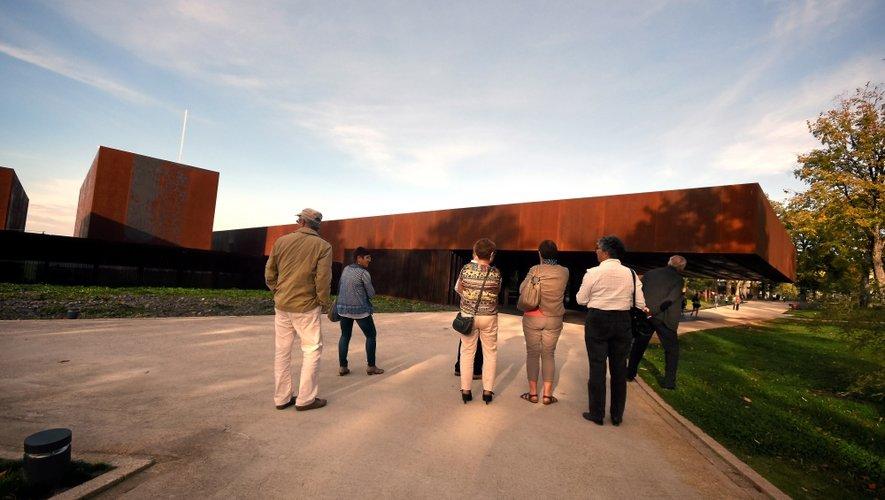 Le musée Soulages (comme le musée Fenaille) propose tout au long du mois conférences, visites et ateliers.