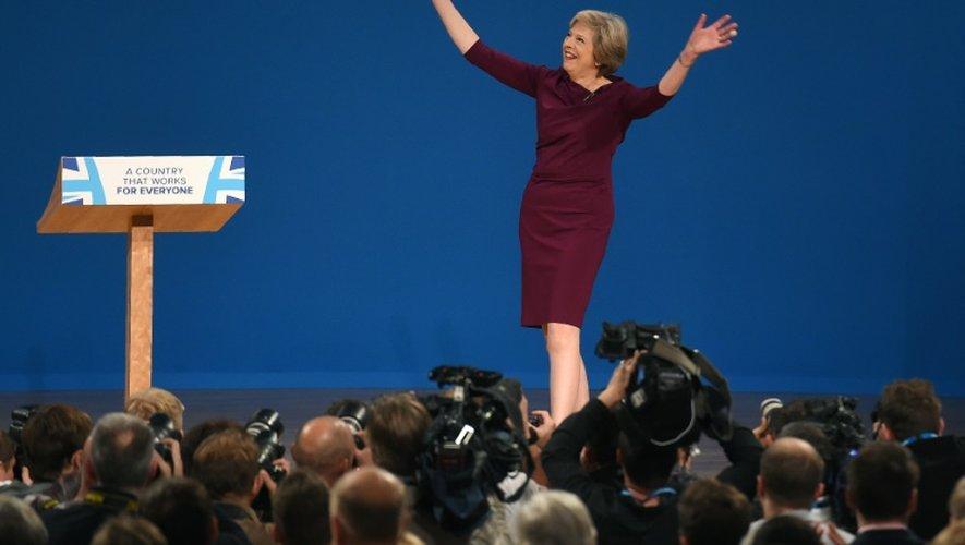 La Première ministre britannique Theresa May arrive au congrès des Tories à Birmingham, le 5 octobre 2016