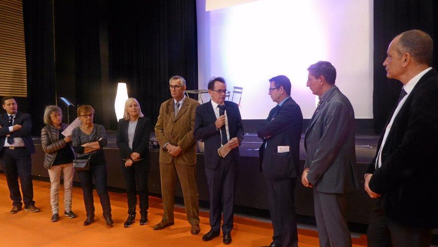 En présence du maire de Rodez et de nombreux élus, le salon organisé par Centre Presse a été inauguré en fin de matinée.