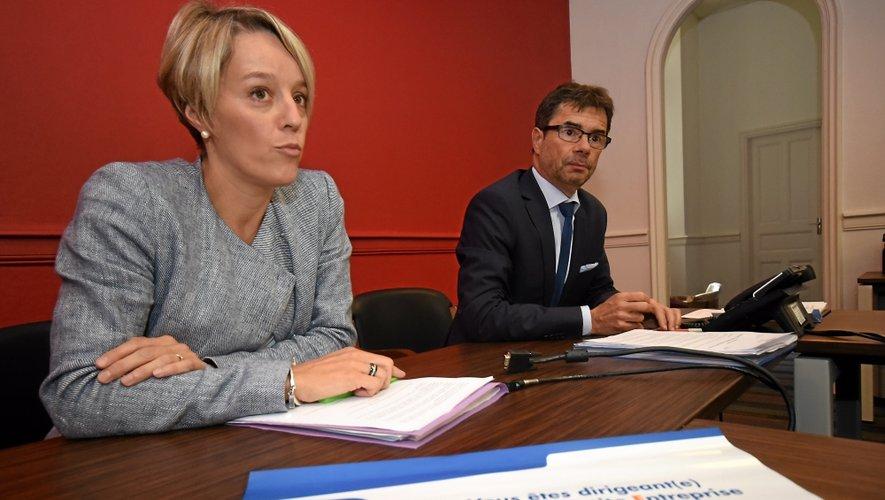 Le directeur départemental de la Banque de France, Philippe Saigne-Vialleix, aux côtés de la correspondante TPE Aveyron, Sabine Casas.