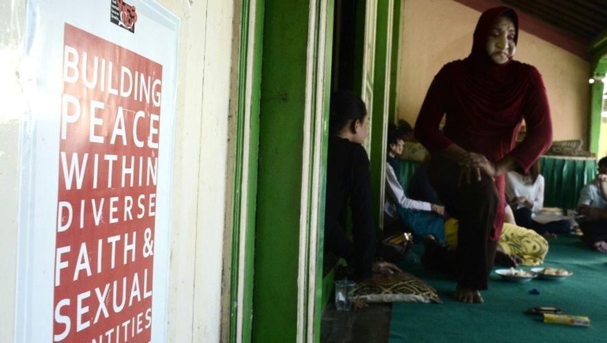 La cheffe de l'école islamique de transgenres à Yogyakarta, en Indonésie, le 9 mai 2016