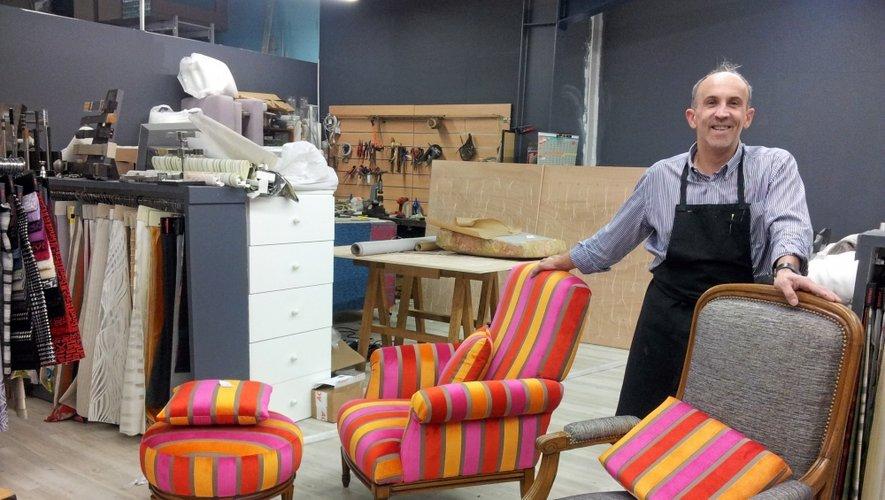 Yann Riou dans son magasin à Onet, où il a aussi installé son atelier.