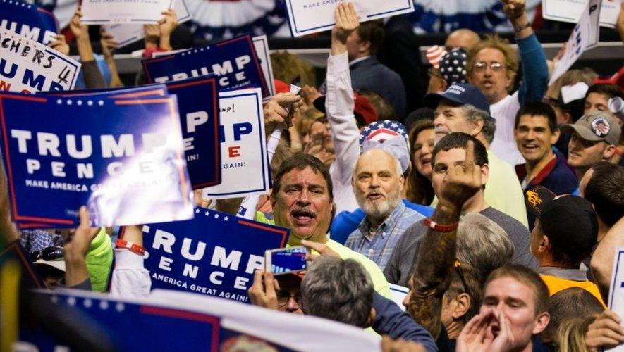 Les partisans de Donald Trump lors de son meeting le 10 octobre 2016 à Wilkes-Barre en  Pennsylvanie