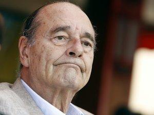 Chirac quitte l'hôpital et poursuit sa convalescence chez lui