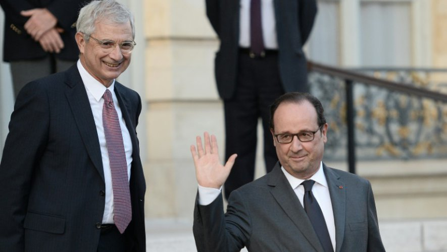 Claude Bartolone et François Hollande à l'Hôtel de Lassay le 6 octobre 2016 à Paris