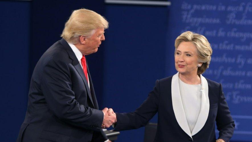 Donald Trump et Hillary Clinton, le 10 octobre 2016 à St Louis dans le Missouri