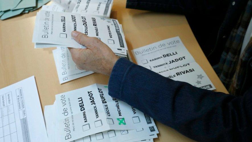 Dépouillement des votes à la primaire d'Europe Ecologie-Les Verts, le 19 octobre 2016 au siège du parti à Paris