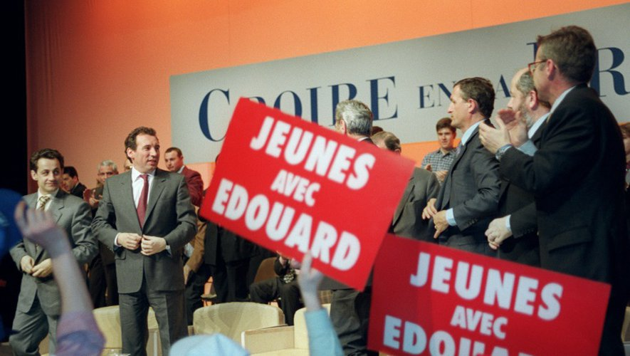 Nicolas Sarkozy et François Bayrou le 15 mars 1995 à Périgueux, lors d'un meeting de soutien à Edouard Balladur dans le cadre de la campagne pour l'élection présidentielle
