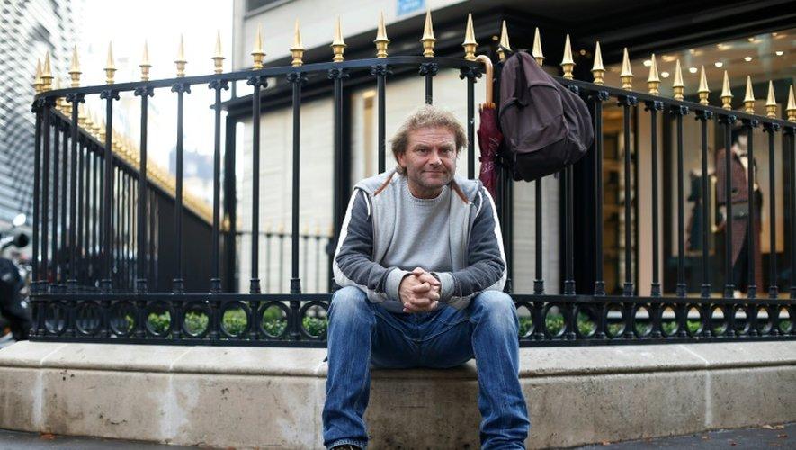 """Jean-Marie Roughol, auteur de """"Je tape la manche"""", pose à Paris le 6 octobre 2015"""