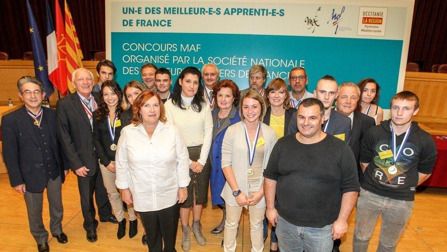 Les lauréats ayant obtenu une médaille d'or au concours régional sont sélectionnés pour participer aux épreuves finales nationales.