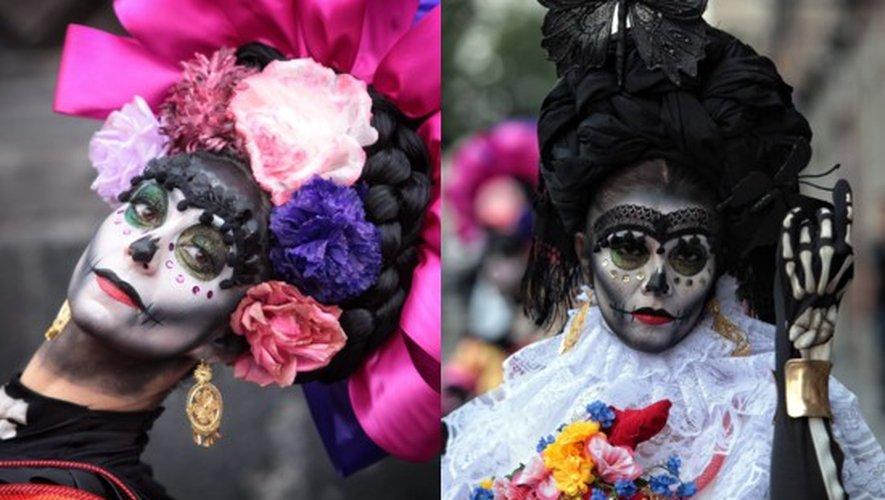 Des Mexicains ont posé déguisés ce 20 octobre 2016, pour promouvoir la grande fête de leur pays