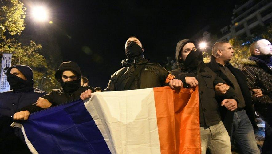 Des policiers manifestent à Paris, le 20 octobre 2016