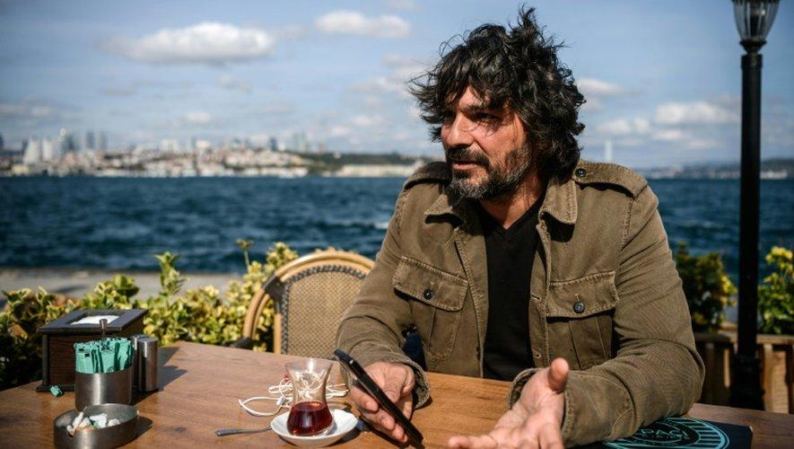 """Le """"chasseur de navires"""" Alper Böler lors d'une interview à l'AFP, le 14 octobre 2016 à Istanbul, en Turquie"""