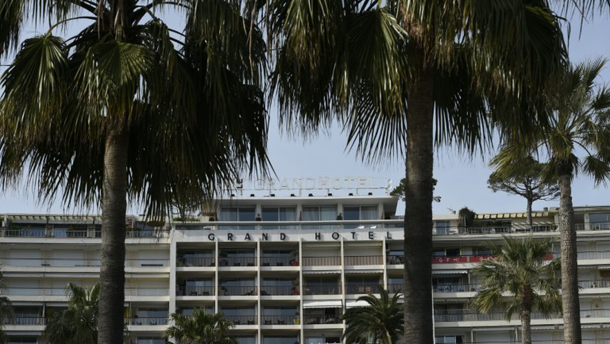 """Vue extérieure en date du 11 mai 2015 du """"Grand Hôtel"""" à Cannes"""