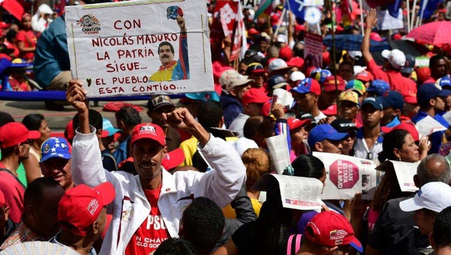 Manifestation de partisans du président Maduro, le 25 octobre 2016 à Caracas