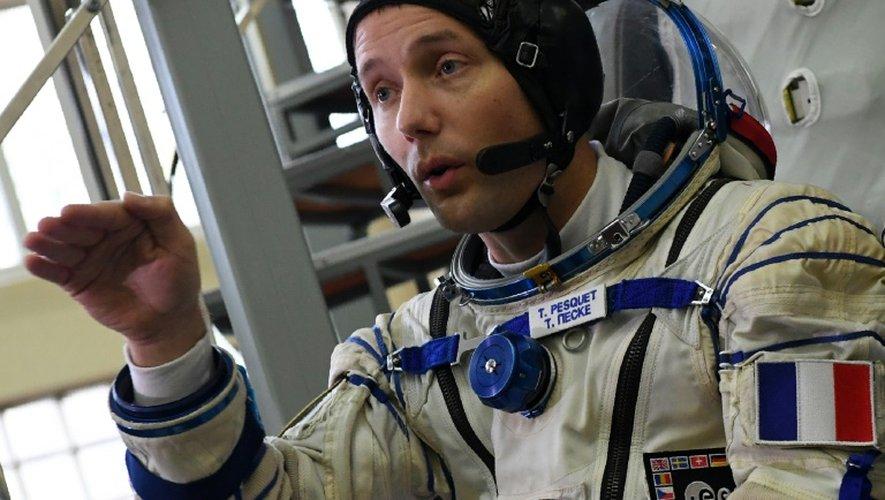 L'astronaute français Thomas Pesquet devant un simulateur Soyuz, le 25 octobre 2016, à la Cité des Etoiles, près de Moscou
