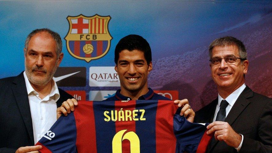 Andoni Zubizarreta lors de la présentation de Luis Suárez au Barça, le 19 août 2014 au Camp Nou