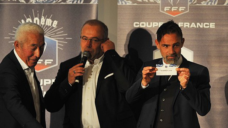 Le tirage de ce premier tour national a été effectué par l'ex-international Italien, vainqueur de la Coupe de France en 98, Marco Simone et l'ancien président de la Commission de la Coupe de France, Jean Djorkaëff.