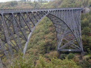 Visites autour du viaduc pour dresser un pont entre 2 cultures