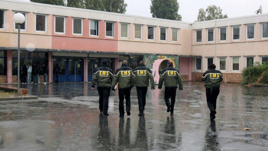 Une équipe mobile de sécurité (EMS) dans un lycée de Seine-Saint-Denis en octobre 2009