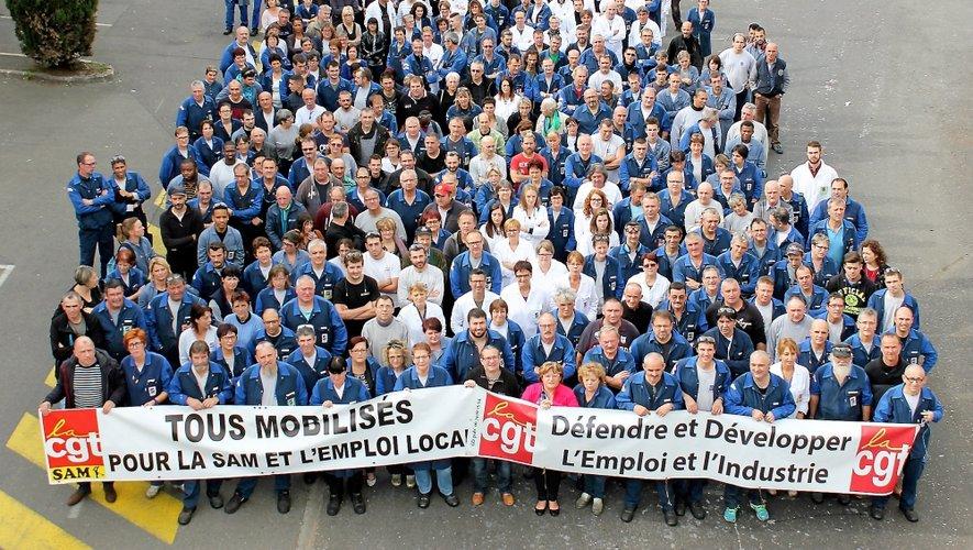 Sur les affiches qui appellent au rassemblement, cette photo des salariés de Sam. Parce que, comme le soulignent les représentants du personnel, « parler du nombre des emplois c'est bien beau, mais pouvoir mettre des visages sur ces emplois, c'est encore mieux ».