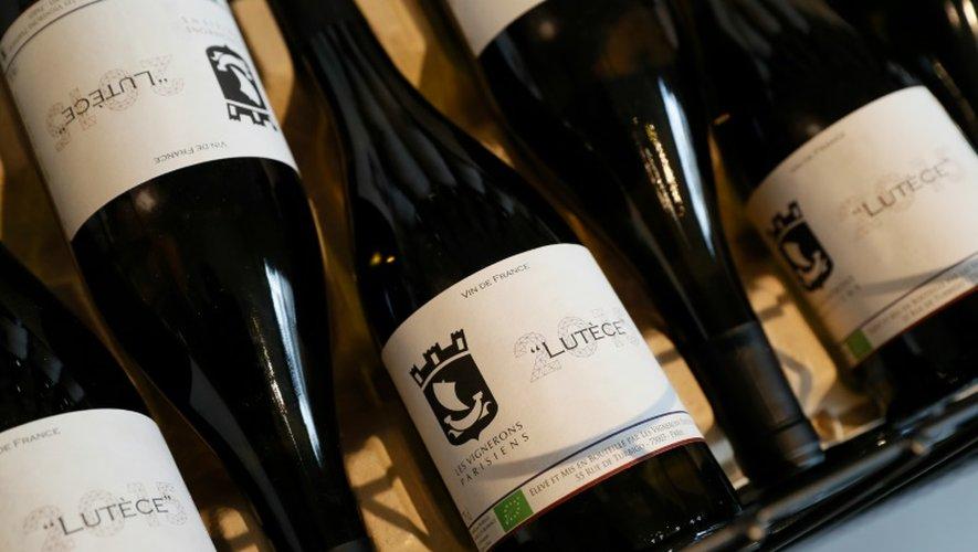 Des bouteilles de vin fabriquées en plein Paris, le 19 octobre 2016