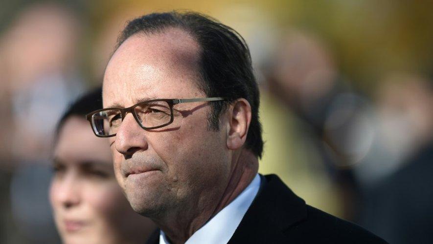 François Hollande en déplacement le 29 octobre 2016 à Doué-la-Fontaine