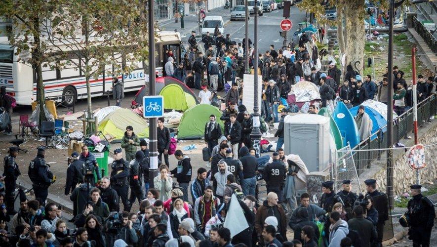 Opération de contrôle des migrants le 31 octobre 2016 dans le nord de Paris