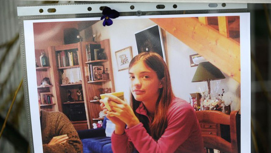 Une photographie de Laëtitia Perrais affichée, le 23 janvier 2011, devant le domicile de sa famille d'accueil à Pornic, en Loire-Atlantique