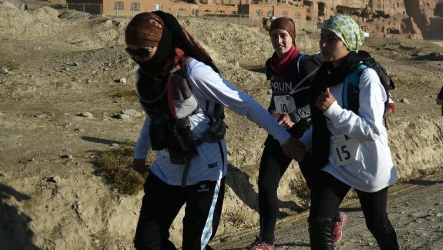 Six Afghanes et une Iranienne ont bravé l'interdit et les préjugés et pris un dossard pour participer au marathon de Bamiyan, en Afghanistan