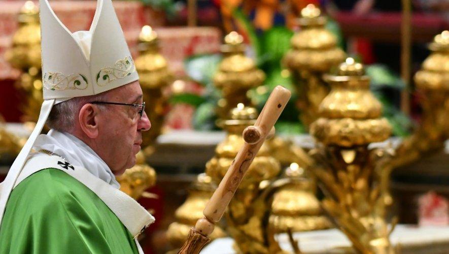 Le pape François célèbre une messe en présence de mille détenus au Vatican, le 6 novembre 2016