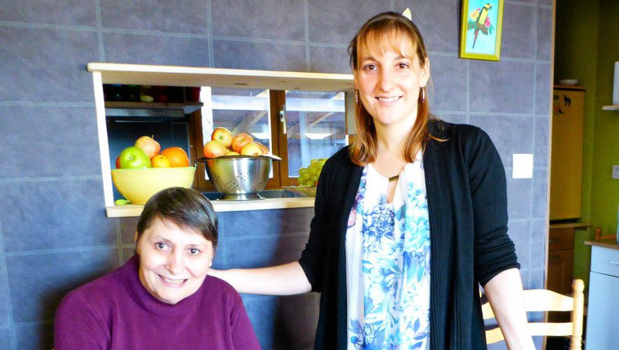 En 2012, Natacha Cerezo s'est installée à Saint-Laurent-d'Olt... avec Pierrette.