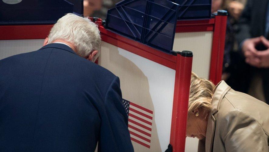 Hillary et Bill Clinton votent, le 8 novembre 2016 à Chappaqua