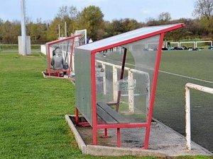 Football : Les Moutiers II - Moyrazès  se termine en bagarre générale