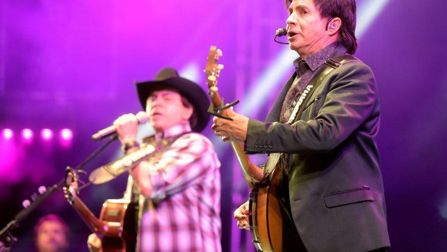 """Le duo des frères """"Chitaozinho et Xororo"""", originaires du Parana (sud), a battu des records de ventes dans les années 90"""