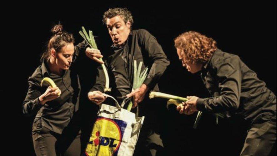 Trois représentations de la pièce «Manger» auront lieu d'ici samedi, à Quins, Saint-Christophe et Alrance.