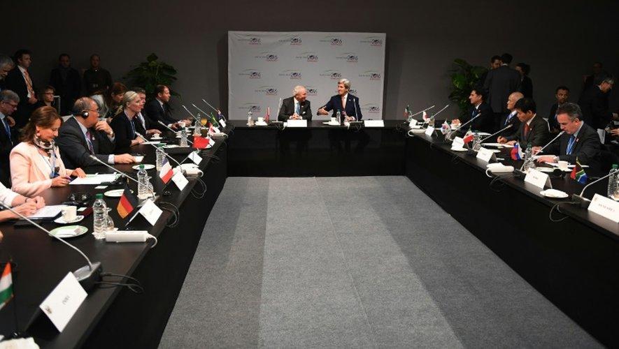 Le secrétaire d'Etat américain lors d'une réunion sur le climat à Marrakech, le 16 novembre 2016