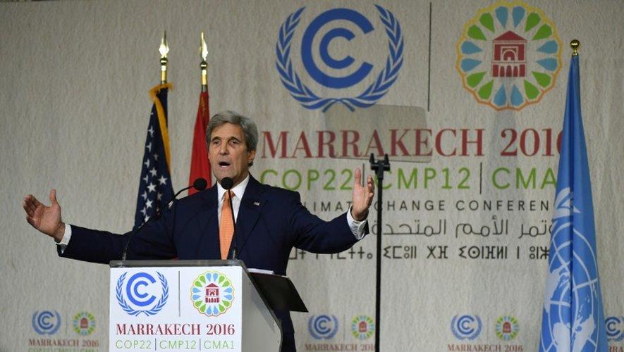 Le secrétaire d'Etat américain John Kerry fait une déclaration à la COP 22, le 16 novembre 2016 à Marrakech, au Maroc