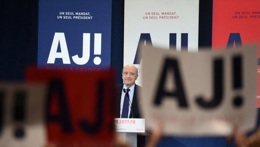 Le maire de Bordeaux et candidat à la primaire de droite Alain Juppé à Lille, le 18 novembre 2016