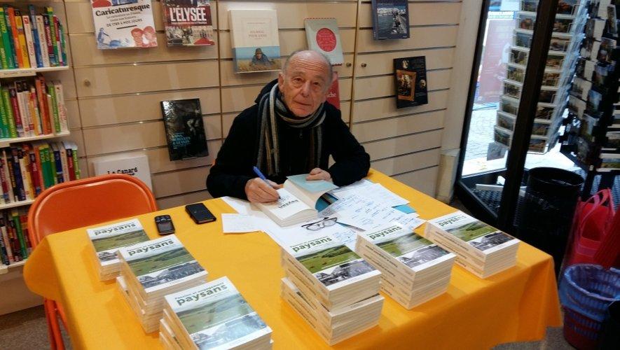 L'ancien journaliste René Bécouze est l'un des coauteurs du livre Passion et engagement paysans, parut aux éditions Flandonnière.