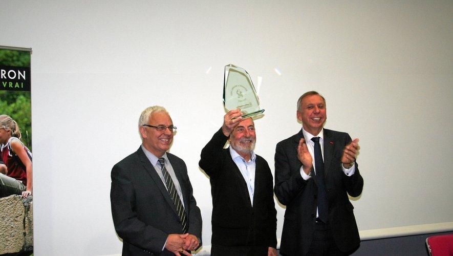 Michel Longuet (au centre) peut être fier : le travail réalisé depuis des années par le comité qu'il préside porte ses fruits.