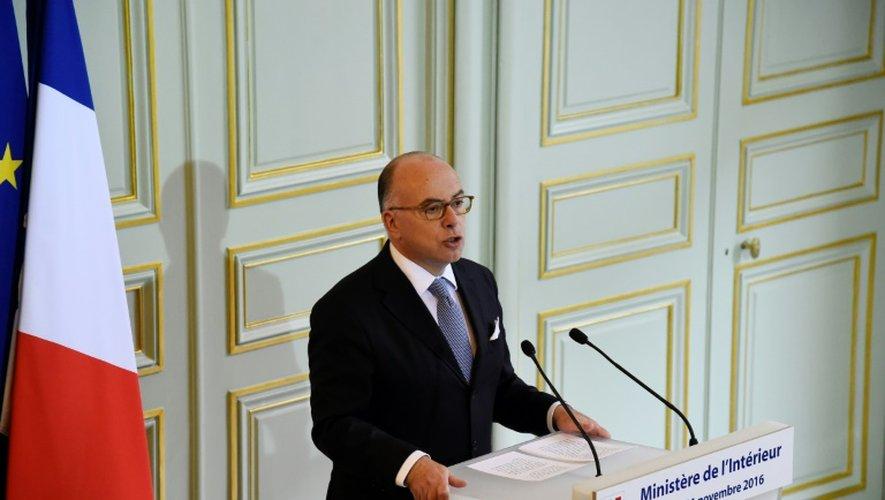 Bernard Cazeneuve lors de son allocution à la presse, au ministère de l'Intérieur